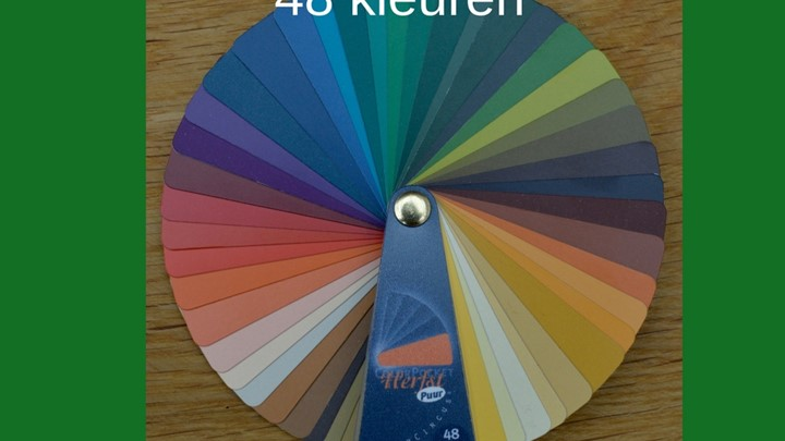 Kleurenwaaier warme herfsttype 48 kleuren Colour me Beautiful.