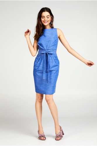 Een little blue dress staat iedereen!