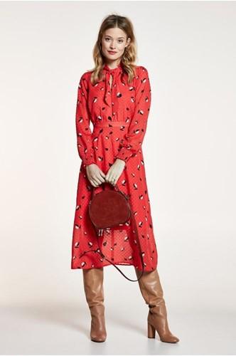 5fdc5c2b7d28f6 Moeite met combineren van kleding  Neem een jurk!